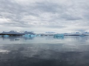 23-30-glacier-lagoon